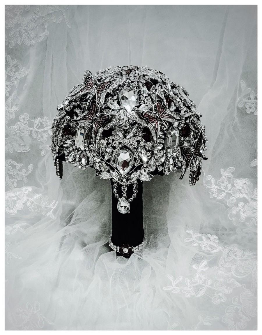 Свадьба - Black Red Butterfly Wedding Brooch Bouquet. Day of the dead wedding. DEPOSIT on Fleur De Lis Crystal Bling Heirloom Diamond Broach Bouquet