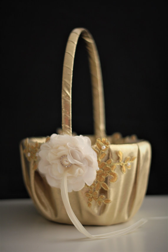 Mariage - Gold Wedding Baskets  Lace Wedding Basket  Gold Flower Girl Basket Pillow Set  Gold lace basket  Gold petals basket  Handmade basket