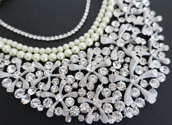 Mariage - Bridal Rhinestone Necklace, Wedding Statement Necklace Bridal Jewelry, Bridal Statement Necklace, Wedding Jewelry for Brides Bib Lara