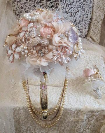 92a10e993e1 Rose Gold Brooch Wedding Bouquet Moonstone Style Brooches Blush Pink Ivory  Beige Off White Crystal Rhinestone Pearl Wedding Bouquet Bling