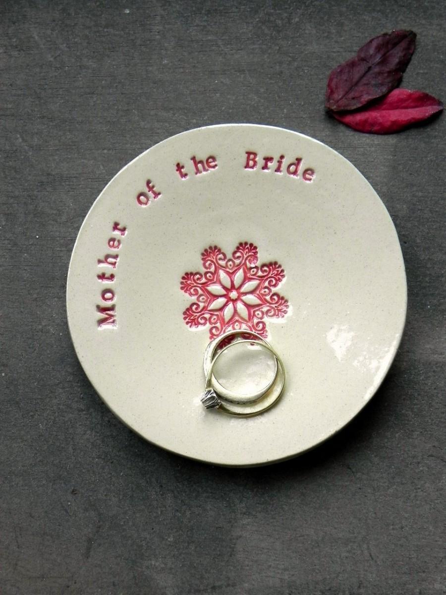 زفاف - Mother of the Bride Wedding Gift Ring Holder Ceramic Plate Flower Mandala Ring Dish Ivory Jewelry Dish