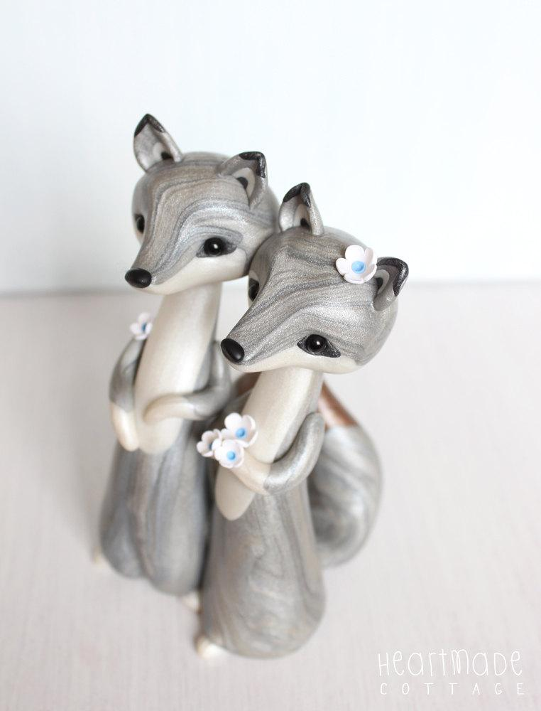 Mariage - LOVE WOLVES * Wolf Wedding cake topper and keepsake - figurine by Heartmade Cottage