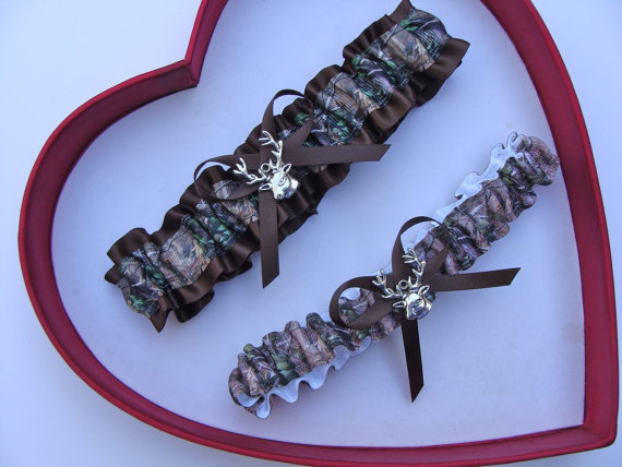 Wedding - New Mossy Oak Brown Camouflage Camo Wedding Garter Prom GetTheGoodStuff Deer Gun Hunting
