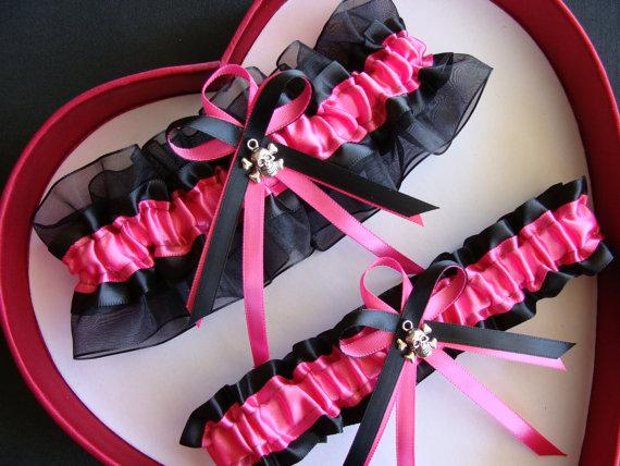 Mariage - New Hot Pink Black Wedding Garter Goth Skull Garter Wedding Bride Gothic Wedding Gothic Style