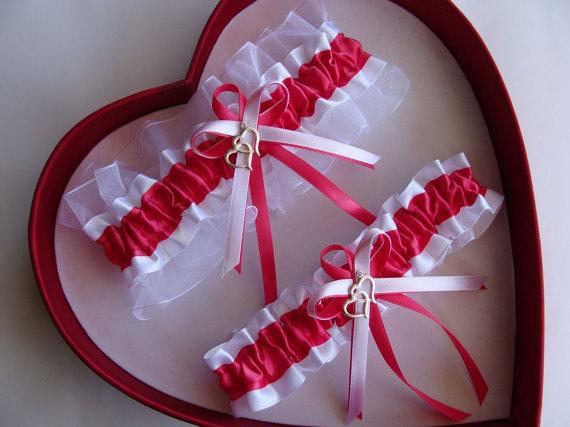 Mariage - New French Pink White Wedding Garter Prom GetTheGoodStuff Double Heart Gun Deer Handcuffs