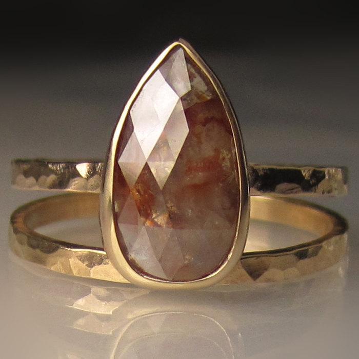Mariage - Rose Cut Diamond Engagement Ring, 14k Yellow Gold Diamond Ring, Hammered Diamond Wedding Set
