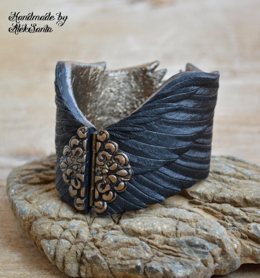 Mariage - Raven wing bracelet Black feather cuff Gothic jewelry Polymer clay jewelry for women Statement bracelet Unique bracelet Gift for her .hba