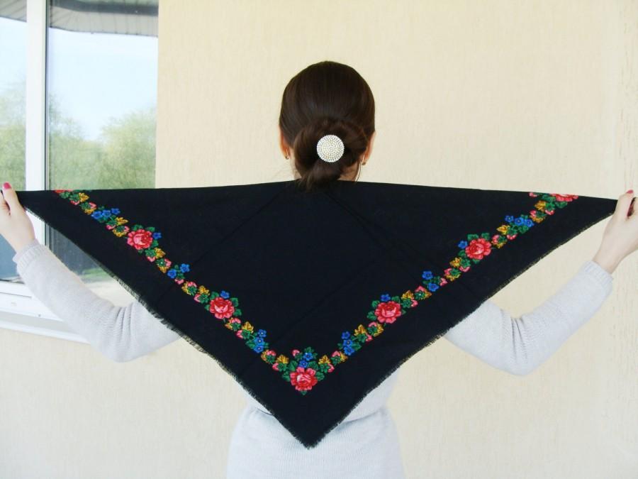 Mariage - Floral scarfRussian scarf Black shawl Ukrainian shawl Black scarf Vintage shawl Wool ShawlBabushka scarfShawls Scarves Soviet vintage