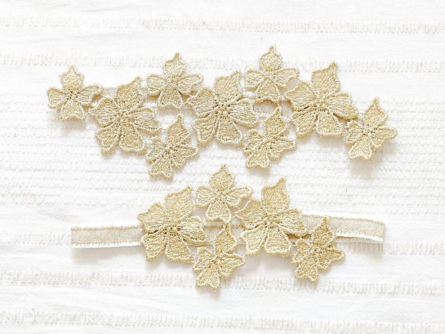 Свадьба - Gold garter set, lace wedding garter set, bridal garter, gold wedding - style #479 set