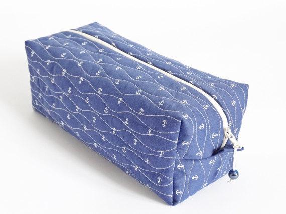 Hochzeit - Unisex Toiletry Bag,   Box Bag for  Cosmetics, Man Shaving Bag