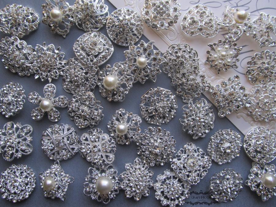 Mariage - 10-100 Brooch Lot Rhinestone Pearl Mixed Silver Pin Wholesale Crystal Wedding Brooch Bouquet Bridal Button Embellishment Hair Cake Shoe DIY