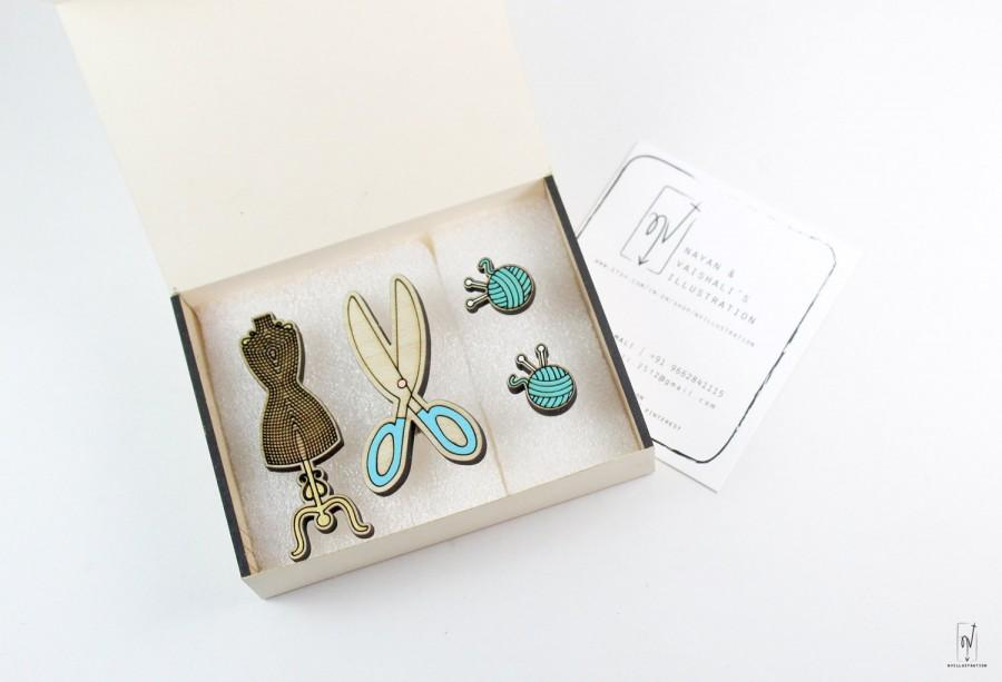 Wedding - Tailor tools jewelry set - Mannequin - Scissor - Yarn -  Wooden Jewelry - Hand painted jewelry - Illustrated jewelry - nvillustration