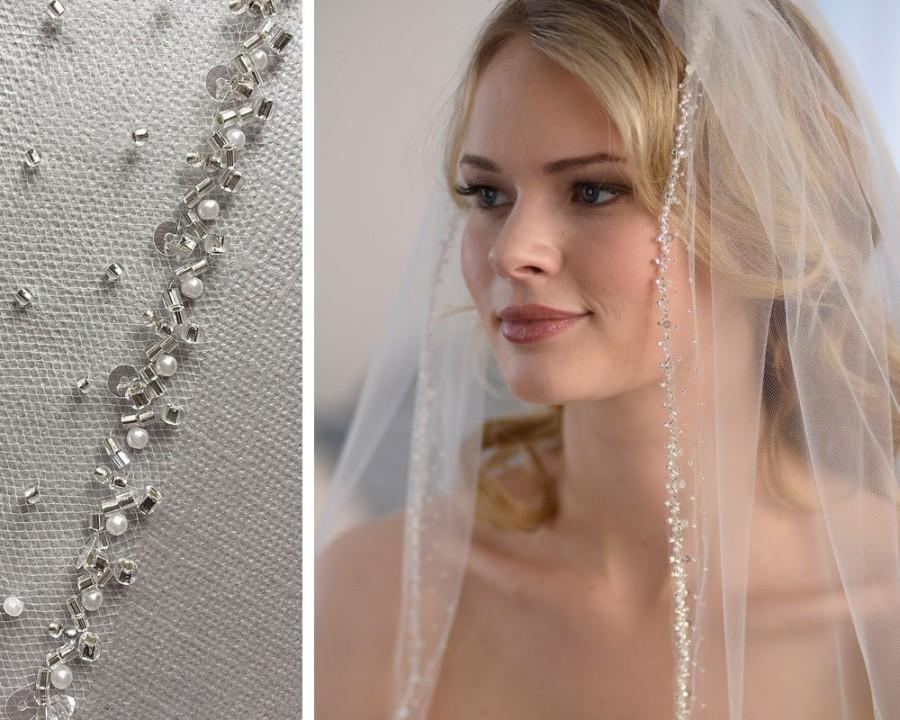 Mariage - Pearl Beaded Wedding Veil, Pearl Bridal Veil, Beaded Edge Veil, Veil with Beading, Veil with Pearls, Tulle Veil, Fingertip Veil ~VB-5030