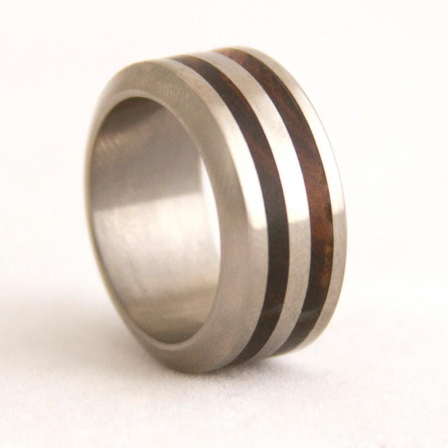Mariage - Titanium Ring Wood Ring Man Ring Mens Wedding Band with bocote wood and Titanium Ring