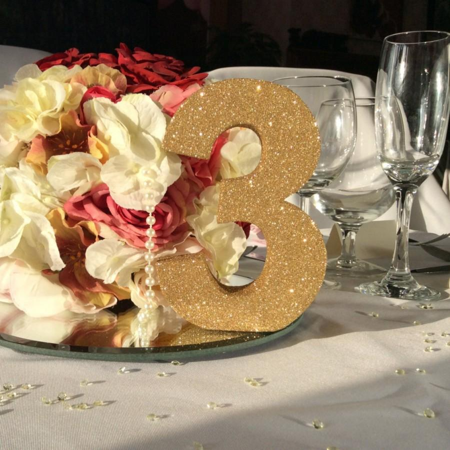 Mariage - Set of 8 gold glitter wedding table numbers Wedding table decoration Freestanding wooden wedding table number Luxury wedding decorations
