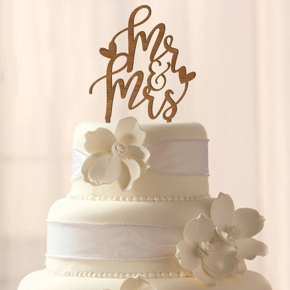 Свадьба - Wood Mr & Mrs wedding cake topper