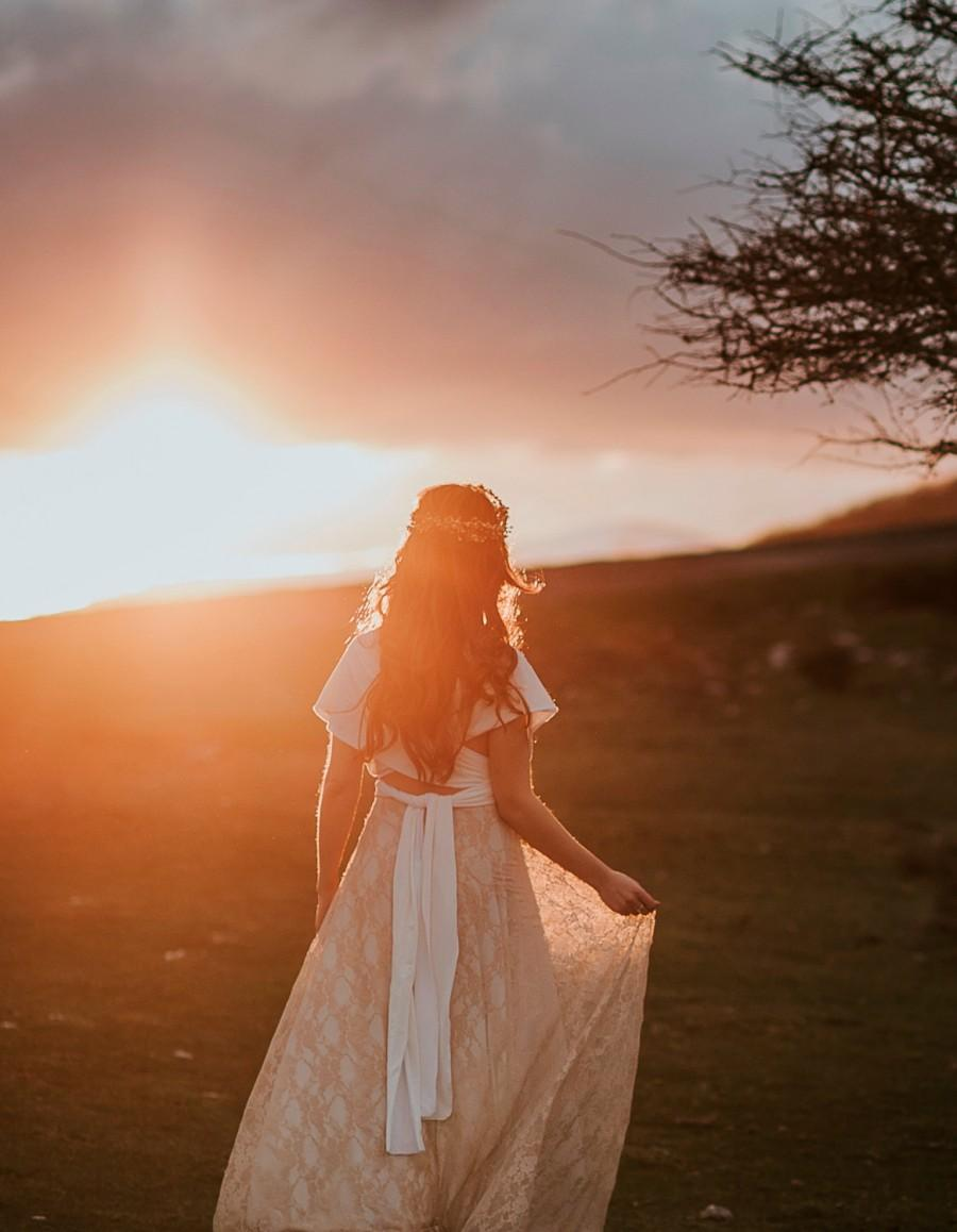 Mariage - Boho wedding dress, fall wedding gown, rustic lace bridal gown, golden lace wedding dress, winter bride, boho bridal gown, rustic wedding