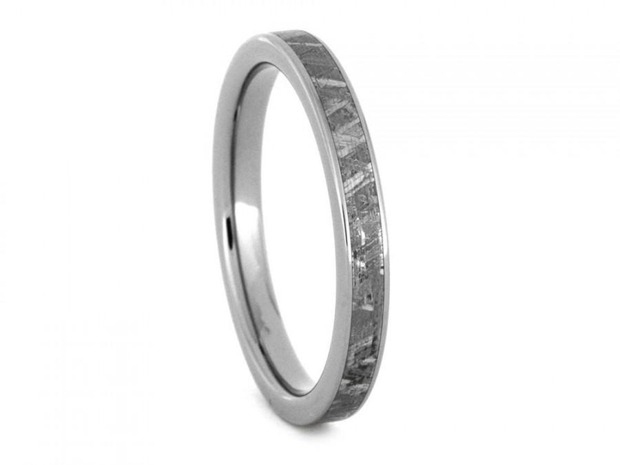 Hochzeit - Womens Meteorite Ring in Titanium, Womens Wedding Band with Gibeon Meteorite Inlay