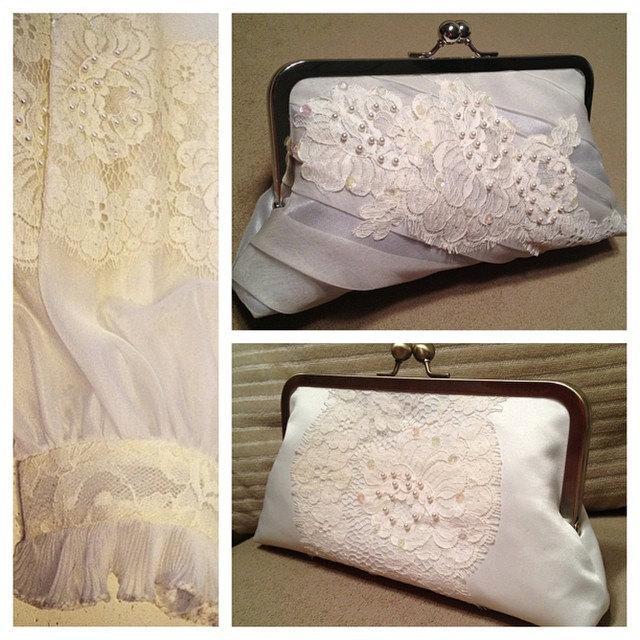 Свадьба - CUSTOM, REPURPOSED bridal wedding clutch purse - reuse an old dress/keepsake to coordinate with YOUR dress (heirloom, family, mom, grandma)
