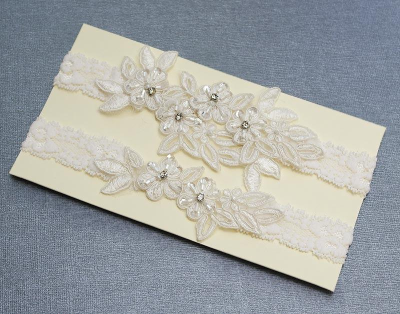 زفاف - Light Ivory  Beaded Lace Wedding Garter Set ,Lt Ivory  Lace Garter Set,Rhinestone Garter Set,Keepsake ,Toss  Garter Set, Handmade-GT034