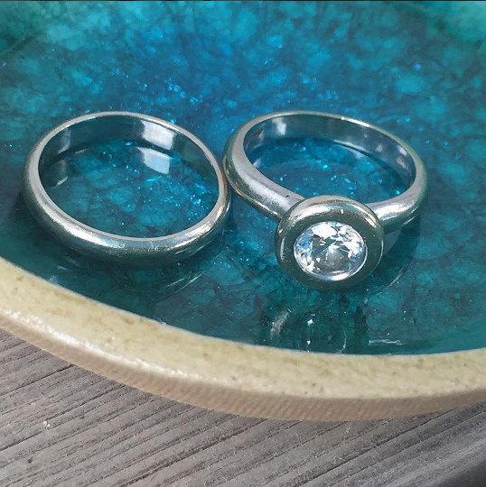 Mariage - Ring dish, Ring holder, Engagement gift, Wedding gift, Wedding ring holder, Bridal shower gift, Anniversary gift,Jewelry dish,Something blue