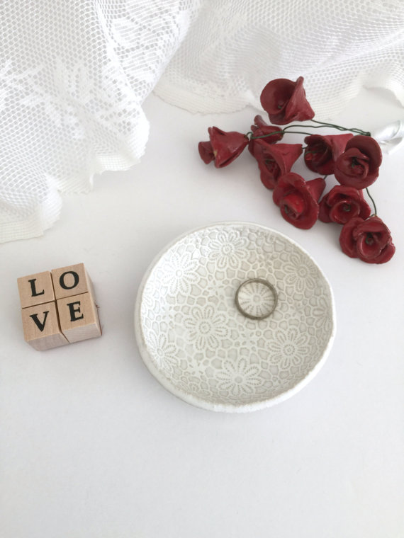 Wedding - Home decor, Decoration, catch all, Jewelry holder, Ring dish, White ceramic, Wedding ring holder dish, Engagement gift, Bridal gift