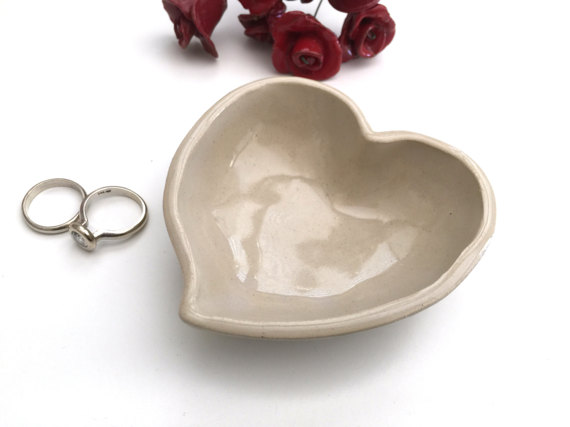 Wedding - Ring holder, Ring dish, Engagement gift, Wedding ring holder, Bridal shower gift, Anniversary gift, Jewelry dish, Heart, Off white
