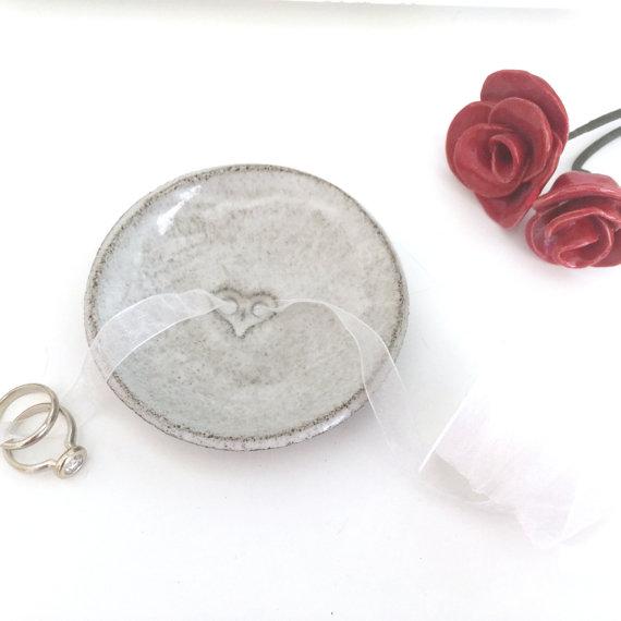 Wedding - Wedding Ring Bearer Pillow,Wedding ring bearer alternative,Wedding ring holder,Engagement gift,Wedding ring dish,Ring holder,Rustic, White