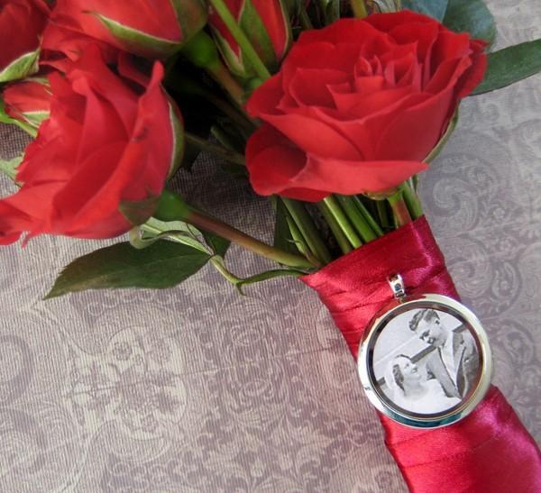 Wedding - Wedding Bouquet Memory Locket- holds photos, charms, keepsakes