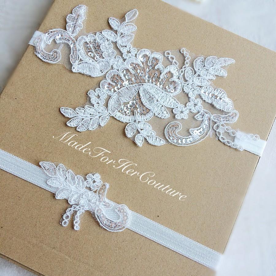 Свадьба - Ivory Lace Garter, Lace Wedding Garter Set, Lace Garter, Vintage Garter set, Keepsake Garter set, lace bridal garter, pearl lace garter set