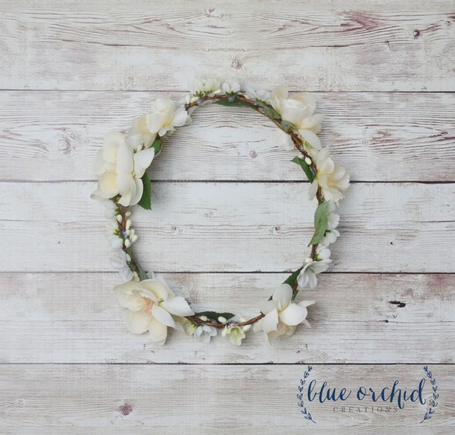 Mariage - White Flower Crown, Cream, Ivory, White, Floral Crown, Boho Wedding, Boho, Wedding Crown, Flower Crown, Silk Flower Crown, Bridal Crown