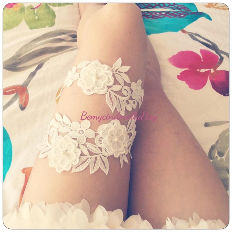 Mariage - Off white wedding garter set Flower bridal garter flower garter set lace Bridal garter set Wedding garter set Keepsake Garter Toss Garter