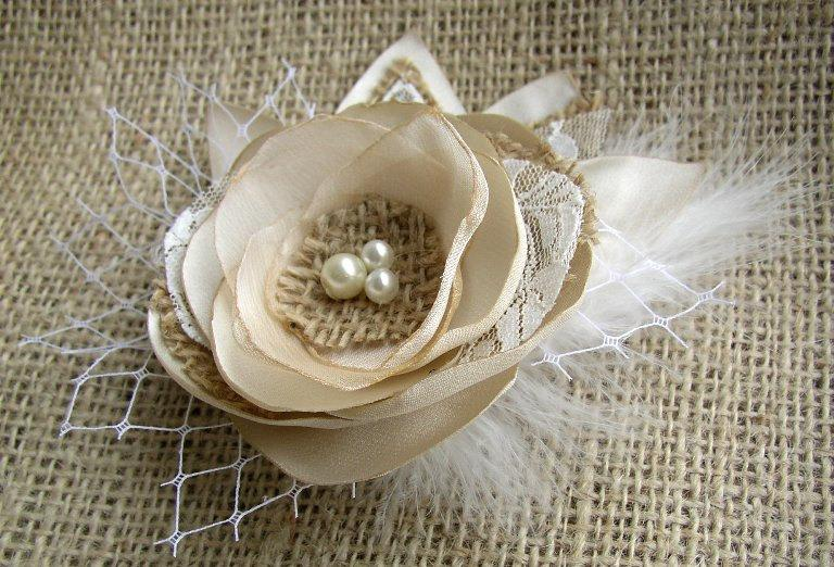 Wedding - Champagne Rustic Hair Flower Clip - Wedding Burlap Hairpiece  - Beige Bridal Fascinator - Burlap Lace Wedding Hairpiece - Gold Feather Clip