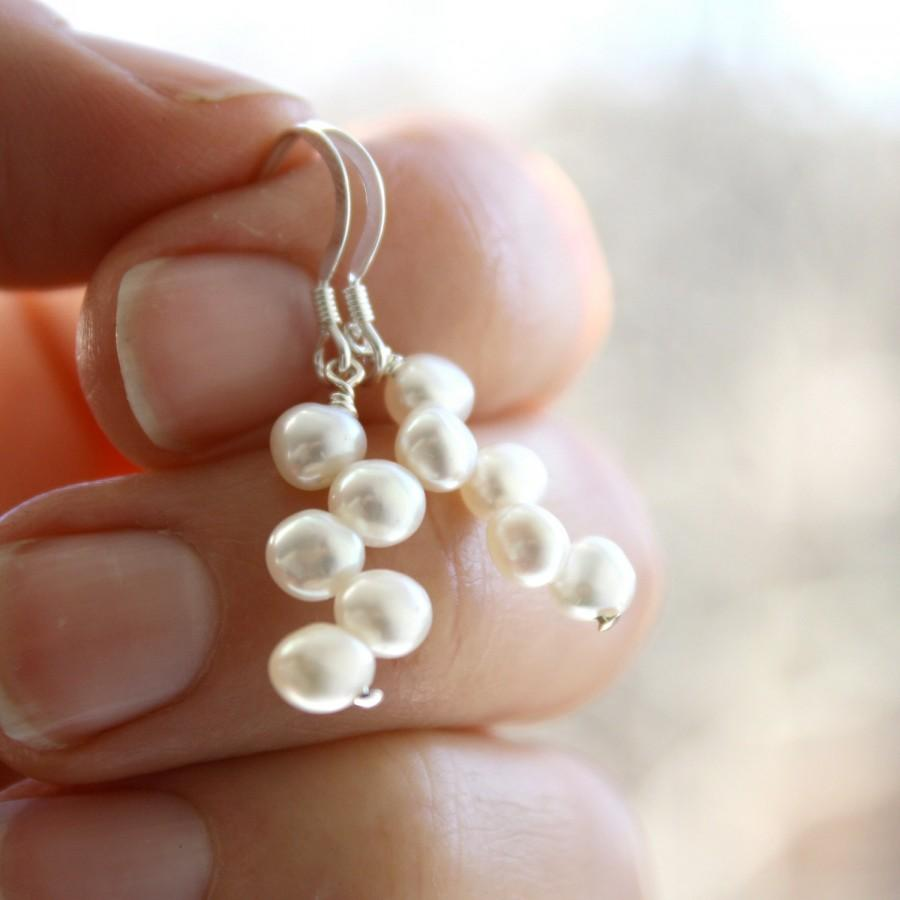 Mariage - White Freshwater Pearl Earrings Dangle . White Pearl Drop Earrings . Freshwater Pearl Earring . Bridal Pearl Earrings - Decca Collection