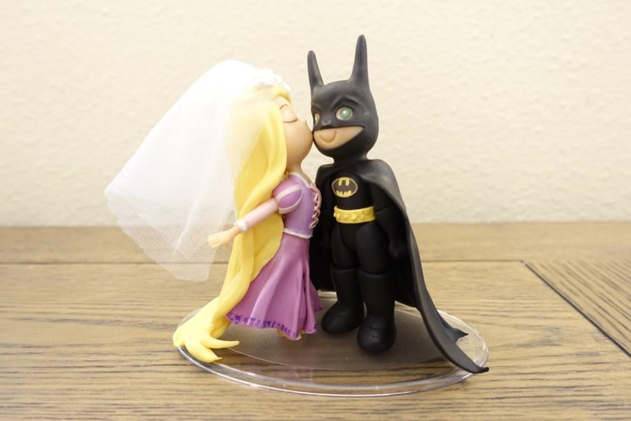 Hochzeit - Rapunzel and Batman Cake Topper. Wedding Cake Topper. Rapunzel & Batman.