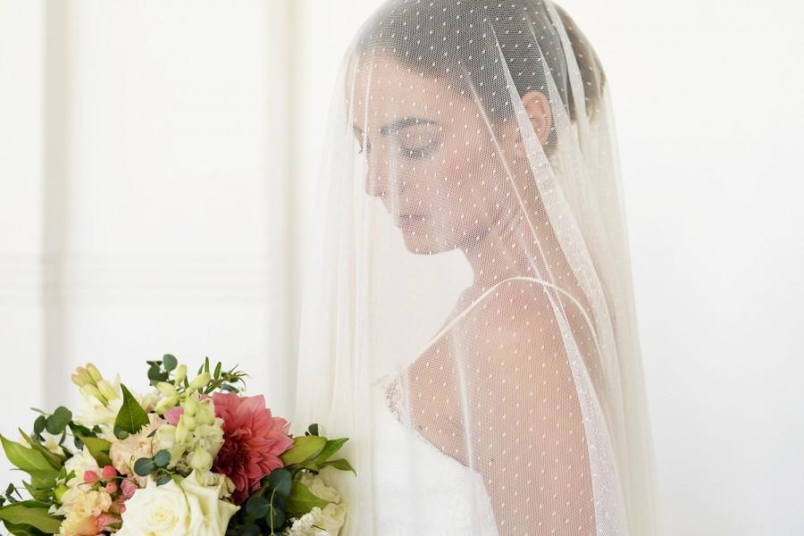 Mariage - Drop veil, polka dot wedding veil, dotted tulle veil, ivory drop wedding veil, soft wedding veil, flowy veil, ethereal veil, drapey veil