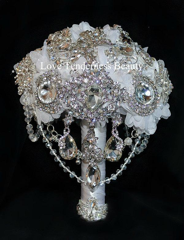 Hochzeit - brooch bouquet, wedding bouquet, bridal bouquet, bridesmaids bouquets, white bouquet, rhinestone bouquet, jewelry bouquet, gifts bouquet