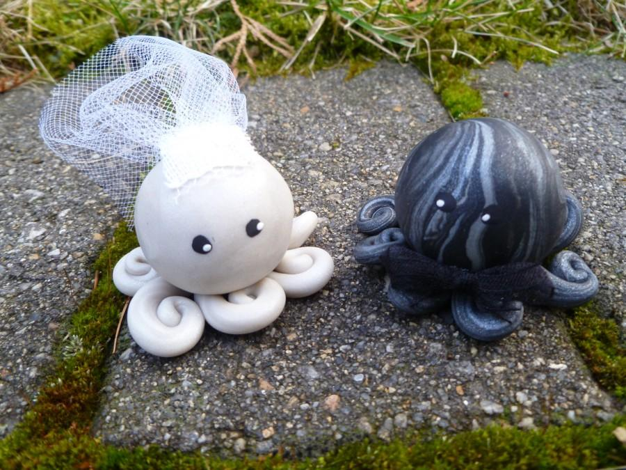 Mariage - Octopus Wedding Couple Cake Topper Mini Marble Friends Set of Two in Icy Pearl and Black and Silver Swirl Bride and Groom