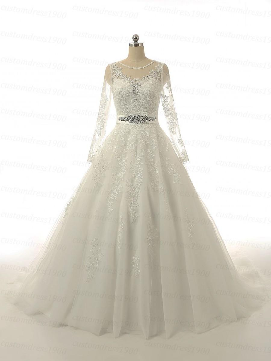 Vintage ball gown wedding dress lace wedding dress for Ivory lace wedding dresses vintage