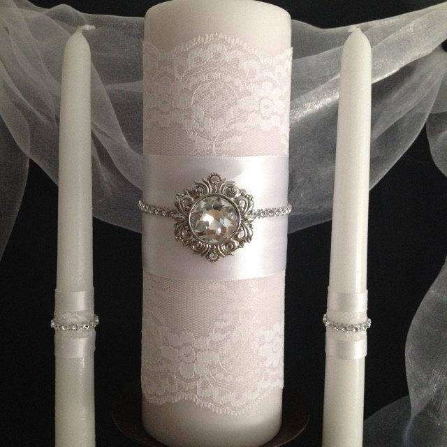 زفاف - Unity Candle Set Vintage Look. White Lace Covered Pillar w Bling and Silver Accent. Tapers w White Lace and Satin Ribbon. Wedding