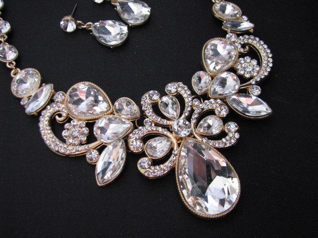 Hochzeit - Gold tone Bridal Statement Necklace Set, Wedding Jewelry Set, Vintage Inspired Necklace, Rhinestone Necklace, Bridal Necklace