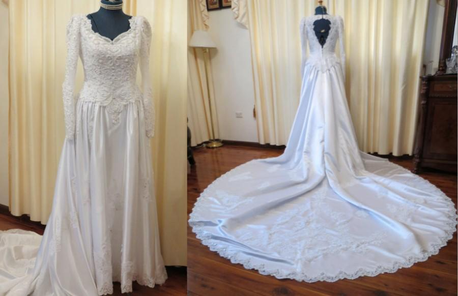 Vintage late 80s early 90s white lace beaded wedding dress for Early 90s house