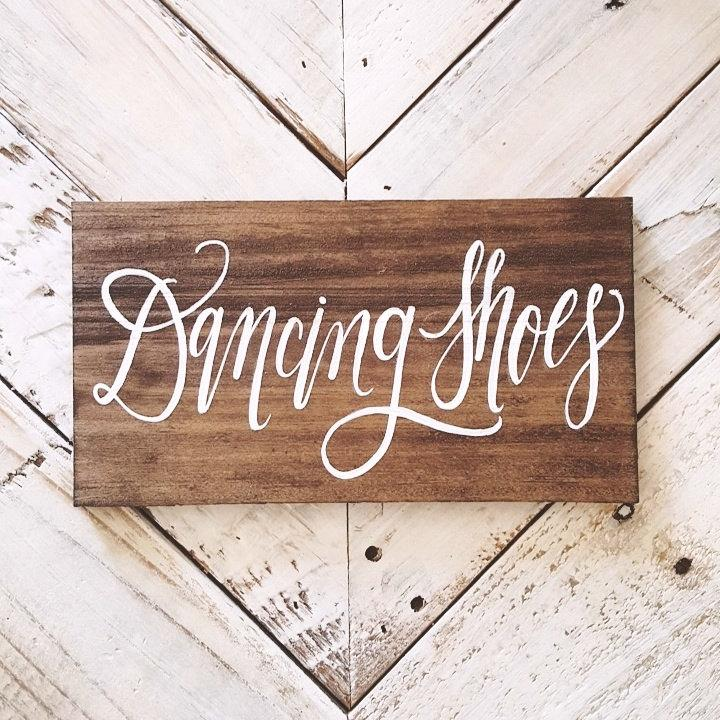 Свадьба - Rustic Wedding Sign, Dancing Shoes Sign, Wooden Wedding Sign, Dance Floor Sign
