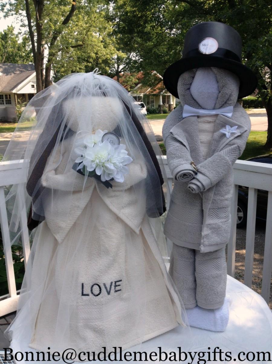 زفاف - Bridal Shower Bride & Groom Bridal Shower Decorations made of all towels
