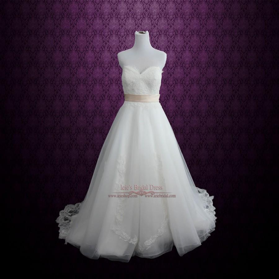 Mariage - Strapless Chantilly Lace Tulle A-line Wedding Dress
