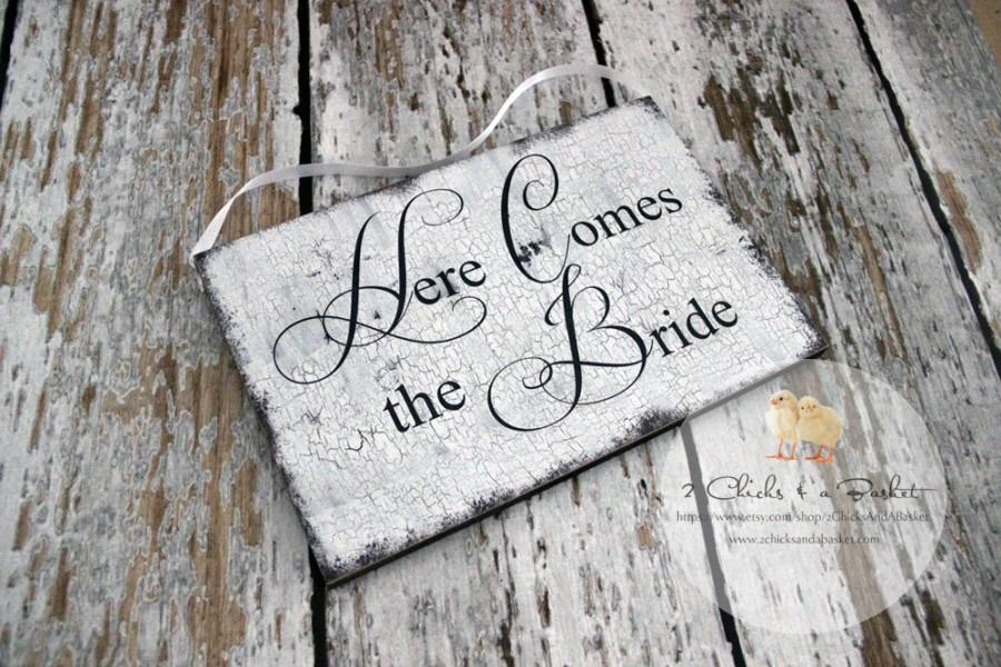 Свадьба - Here Comes The Bride Sign, Photo Props, Chair Signs, Vintage Style Wedding Signs