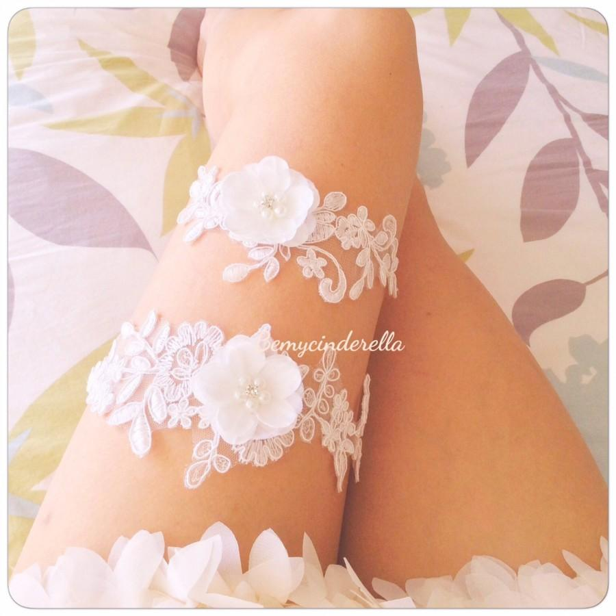 Wedding - Off white wedding garter set Flower bridal garter flower garter set lace Bridal garter set Wedding garter set Keepsake Garter Toss Garter