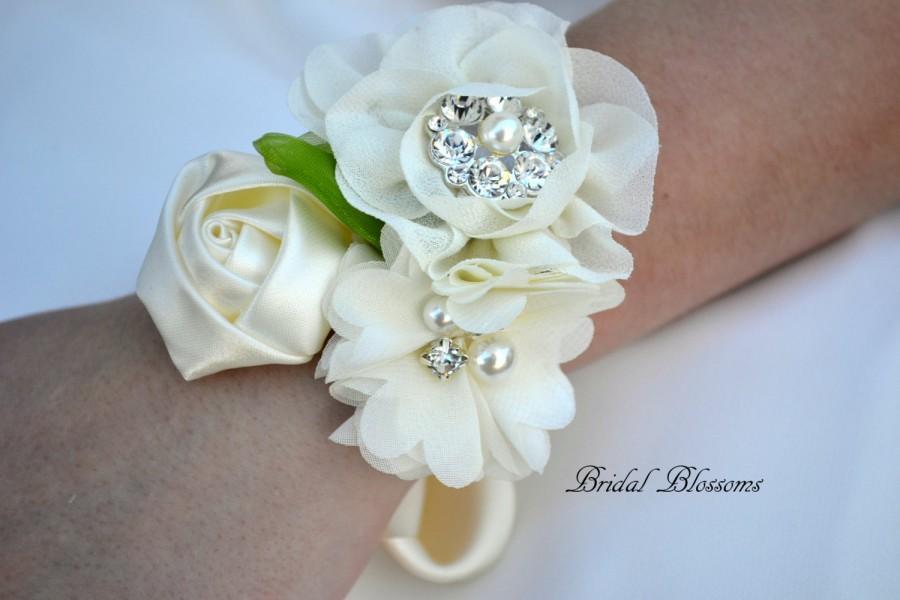 Best Seller Ivory Chiffon Satin Flower Wrist Corsage 2668325 Weddbook