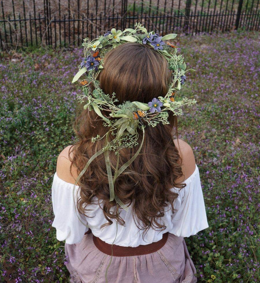 Hochzeit - Elaborate flower crown with purple and green flowers, moss and butterflies