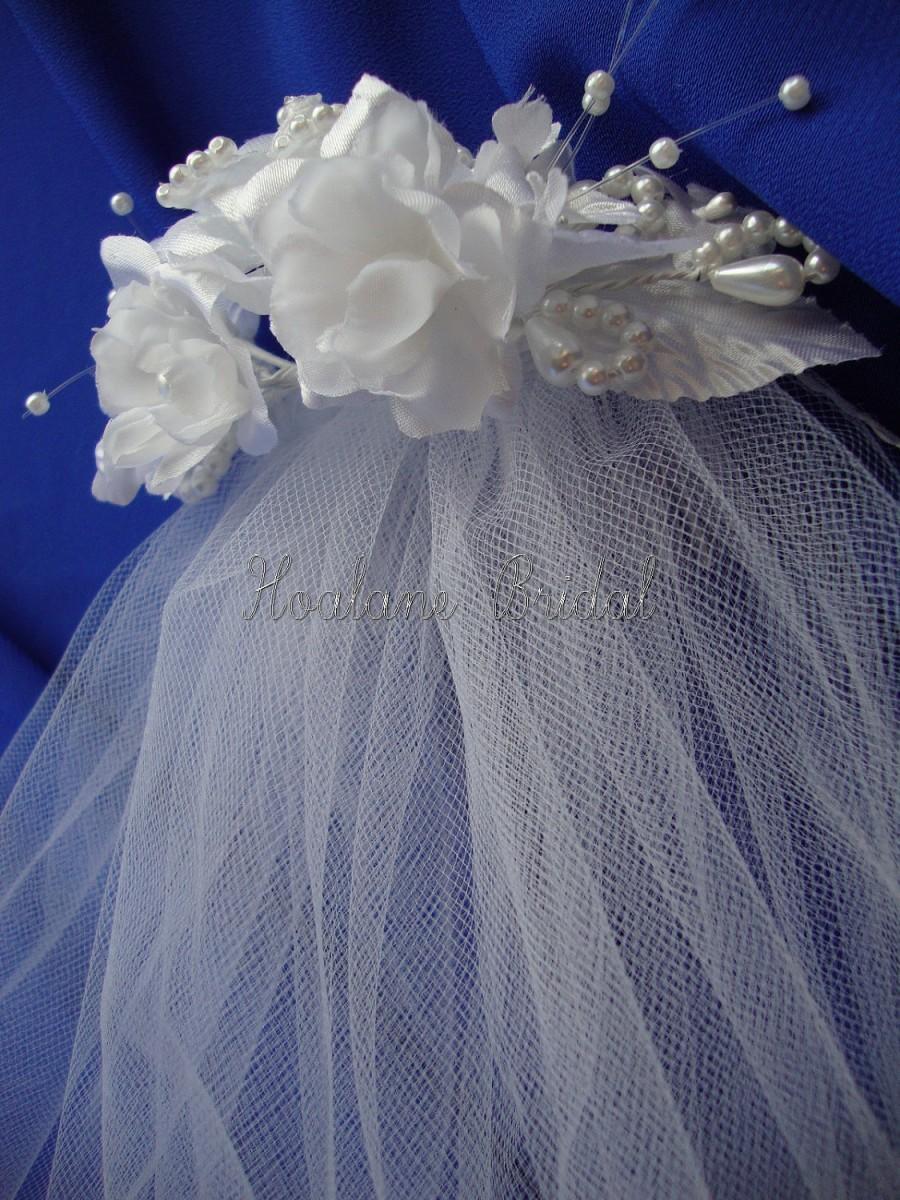 Hochzeit - Veil, Flower Girl veil with headpiece, First Communion Veil with Silk flower headpiece